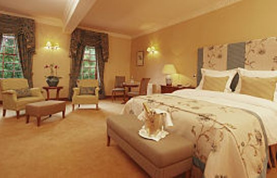 Junior Suite Nunsmere Hall