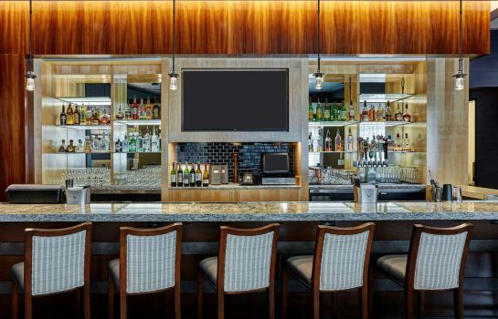 Hotel-Bar DoubleTree by Hilton Charlotte - Gateway Village