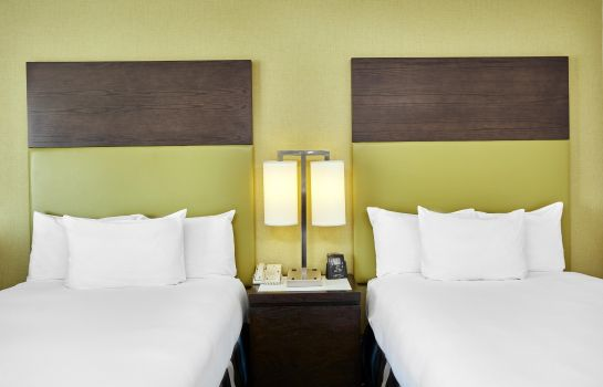 Room DoubleTree by Hilton Charlotte - Gateway Village