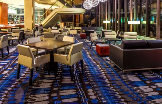 Hotel bar DoubleTree by Hilton Houston Downtown