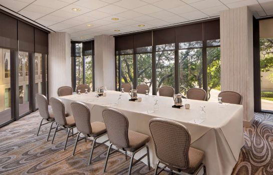 Conference room DoubleTree by Hilton Houston Downtown