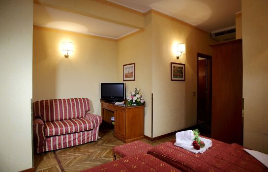 Triple room Cavour