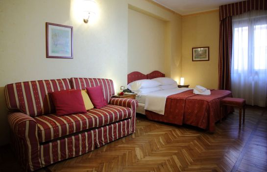 Four-bed room Cavour