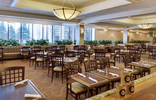 Restaurant DoubleTree by Hilton Omaha Downtown