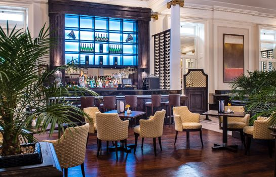 Hotelbar Oatlands Park