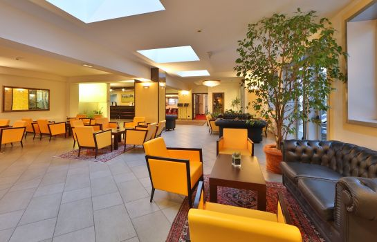 Hall Best Western City