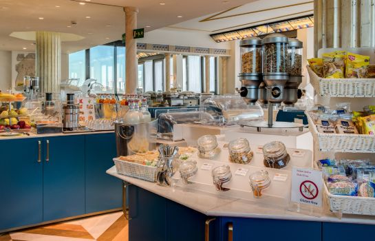 Breakfast buffet Antares Accademia