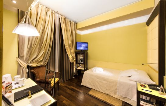 Single room (superior) Antares Accademia