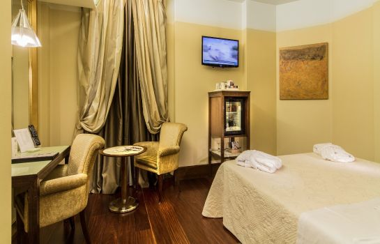 Double room (standard) Antares Accademia