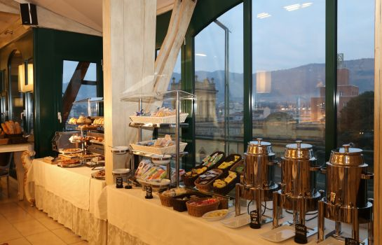 Breakfast buffet Columbia Wellness SPA