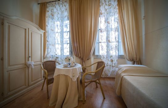 Triple room Albergo Etruria