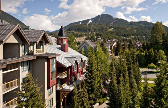 Vista exterior Delta Hotels Whistler Village Suites