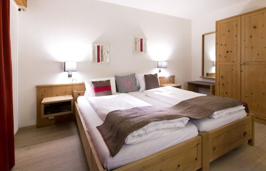 Double room (standard) Hotel Crusch Alba