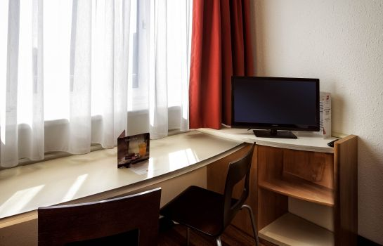 Standard room ibis Linz City