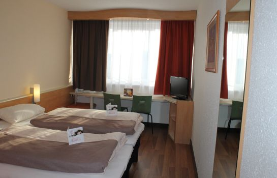 Double room (standard) ibis Linz City