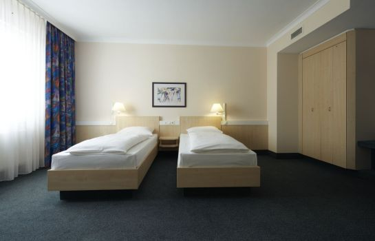Chambre double (confort) IntercityHotel