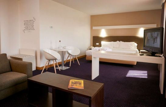 Suite Tryp Coimbra Hotel