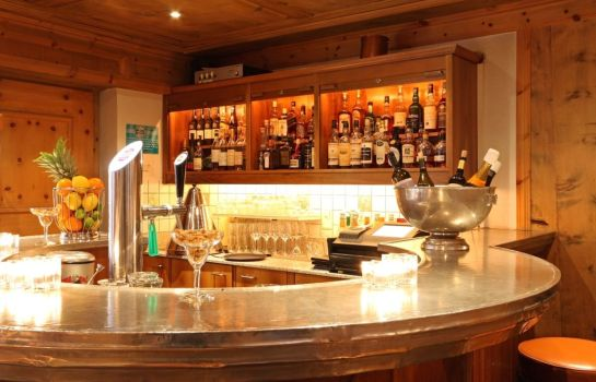 Hotel-Bar Hotel Chesa Rosatsch – Home of Food
