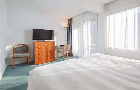Dreibettzimmer Wellness Hotel Tenedo Thermalquellen Resort Bad Zurzach