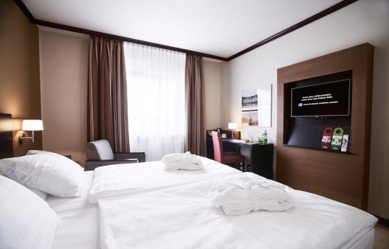 Double room (standard) Trans World Hotel Donauwelle