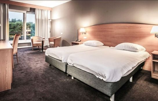 Room Hampshire Golfhotel Waterland
