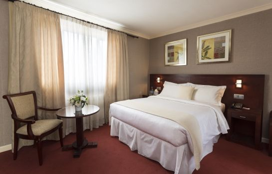 Double room (standard) The Savoy Jersey