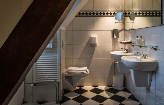 Bathroom De Limbourg