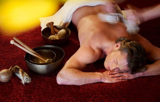 Massageraum Wellnesshotel Bergland