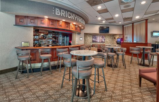 Hotel bar DoubleTree by Hilton Bloomington
