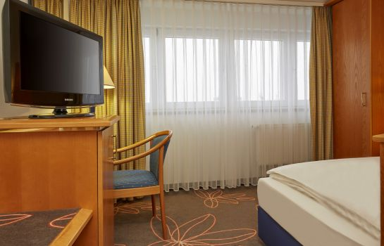 Single room (superior) H+ Hotel Magdeburg