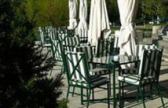 Terrasse Chateau Hotel & Spa Grand Barrail