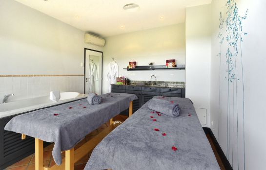 Massage room Chateau Hotel & Spa Grand Barrail