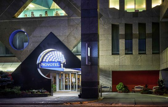Exterior view Novotel Toronto North York