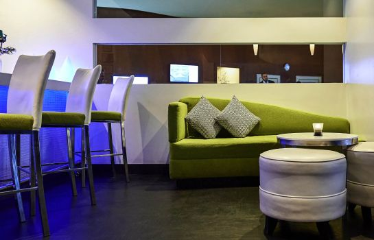 Hotel bar Novotel Toronto North York