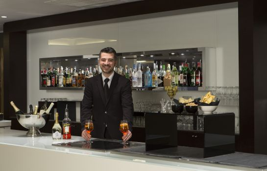 Hotel bar Best Western Plus Tower Hotel Bologna