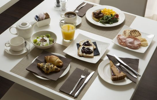 Buffet prima colazione Best Western Plus Tower Hotel Bologna