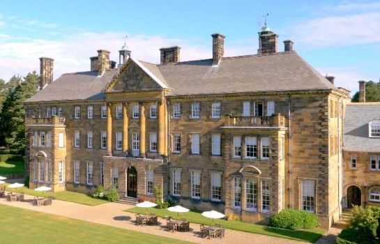 Exterior view Crathorne Hall