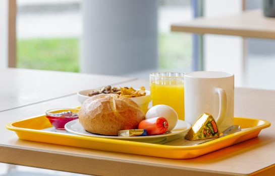 Breakfast buffet Ibis budget Hamburg Quickborn