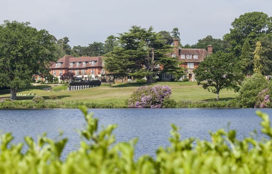 Surroundings Champneys Forest Mere