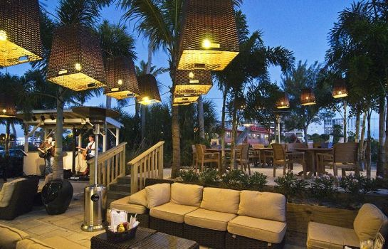 Hotel-Bar Grand Plaza Beachfront Resort
