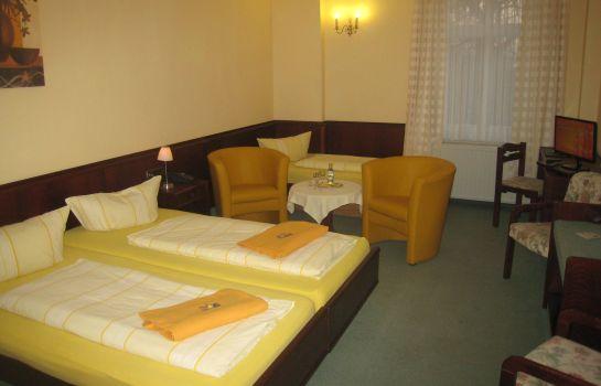 Hotel Schone Aussicht In Weissenfels Hotel De