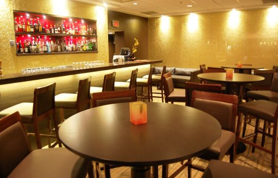 Bar del hotel Holiday Inn MONTREAL CENTREVILLE DOWNTOWN