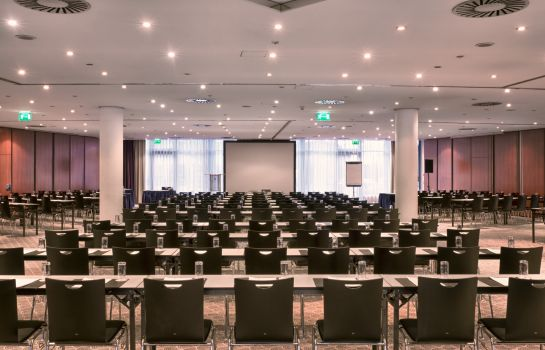 Conferences WYNDHAM GARDEN DRESDEN