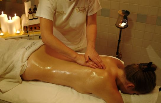 Massageraum Ruipacherhof Wellness Parc Hotel
