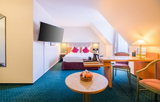 Chambre triple Sure Hotel Collection PLAZA Hotel Blankenburg Ditzingen