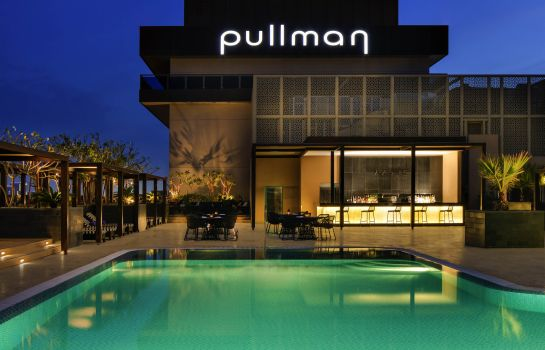 Hotel bar Pullman Dubai Creek City Centre