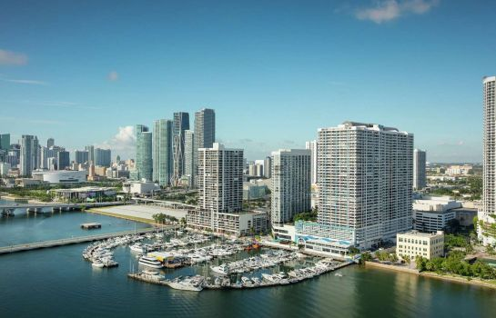 Buitenaanzicht DoubleTree by Hilton Grand Hotel Biscayne Bay