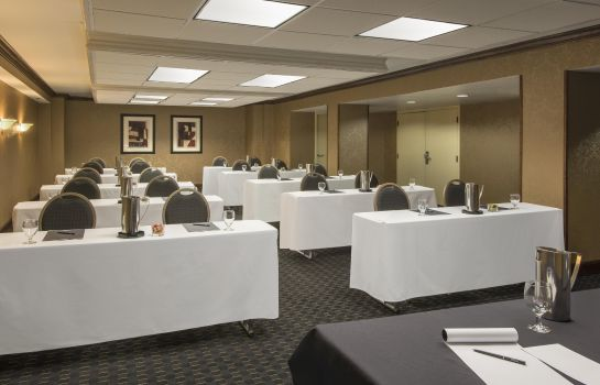 Conference room Hilton Charlotte Executive Park
