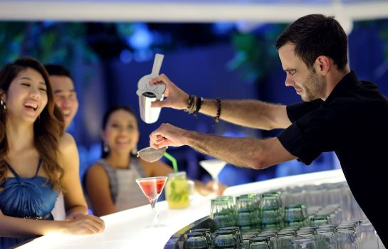 Hotel-Bar Movenpick  Resort & Spa Karon Beach Phuket