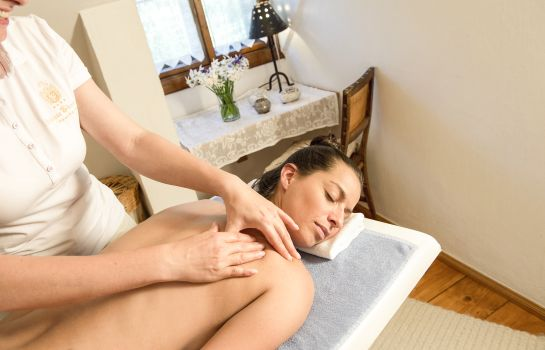 Massageraum Hotel Schloss Thannegg-Moosheim Sporthotel